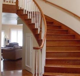 Прямые ореховые лестницы