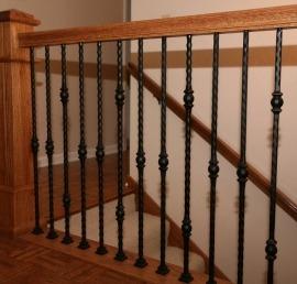 Деревянная балясина для лестниц из ели