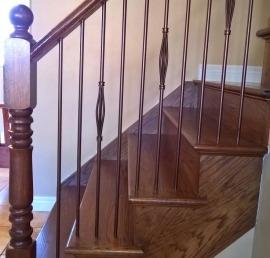 Балясина для лестниц из ореха