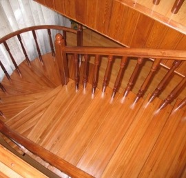 Деревянные лестницы из лиственницы