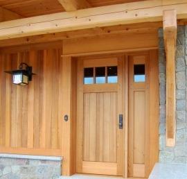 Входные деревянные двери из кедра