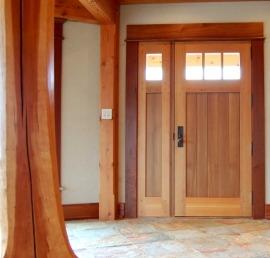 Межкомнатные двери из кедра
