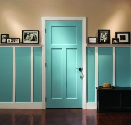 Двери из липы в ванной комнате