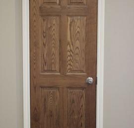 Деревянная дверь из ясеня