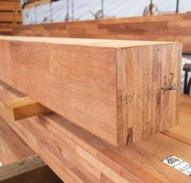 Деревянный клееный брус из кедра