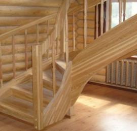 Деревянные лестницы из массива лиственницы