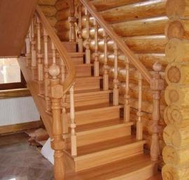 Прямые деревянные лиственничные лестницы под ключ