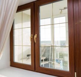 Деревянные окна из дерева ореха