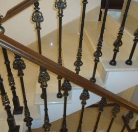 Перила и поручни для лестниц из ели