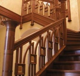 Перила и поручни для лестниц из массива ели