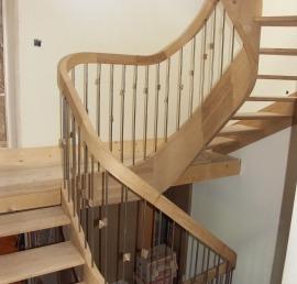 Поручни для лестниц из массива лиственницы