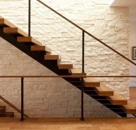 Поручни из липы для лестниц