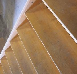 Ступени из бука для лестниц