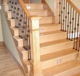 Для лестниц дубовые ступени