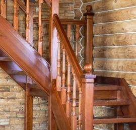 Ореховая Тетива для лестниц