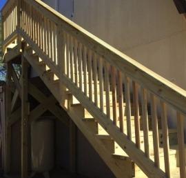 Уличные лестницы из лиственницы